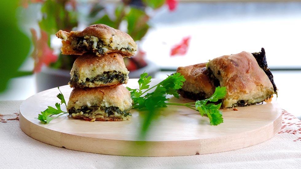 Griechische Pita mit Spinat, Feta und Lauch