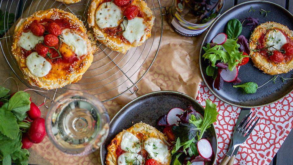 Italienische Pizzetta mit Büffelmozzarella